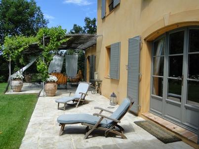 Maison individuelle en provence avec mas provence for Constructeur maison individuelle paca